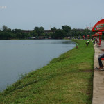 Inya-Lake-people-relaxing